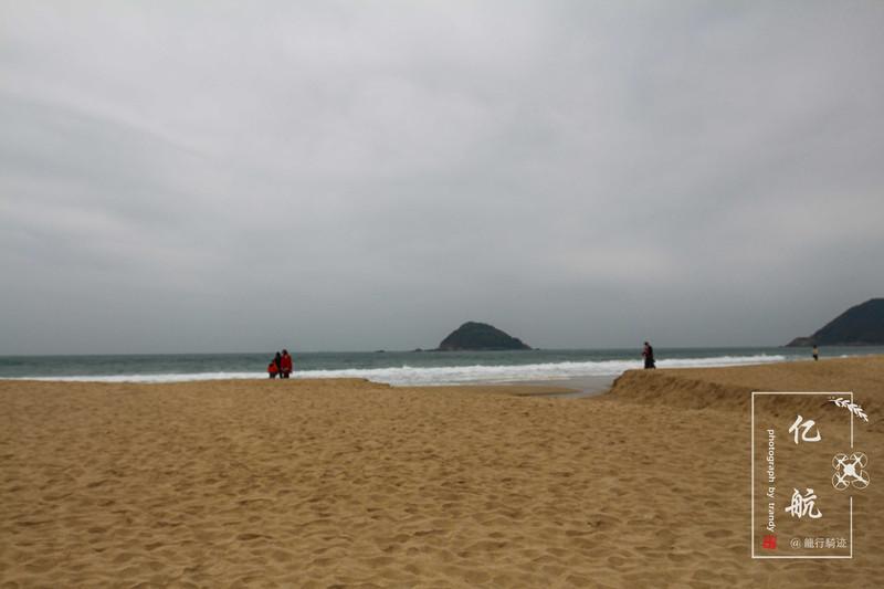 西涌位于大鹏半岛南澳南,其中西涌海滩是深圳最长的海滩,长达 10里的