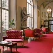 馬亞尼菲倫尼套房酒店