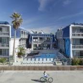 藍海灘酒店