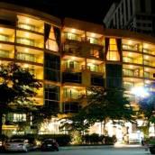 曼谷七地行政公寓
