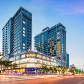 芽莊中心海景陽台公寓式酒店